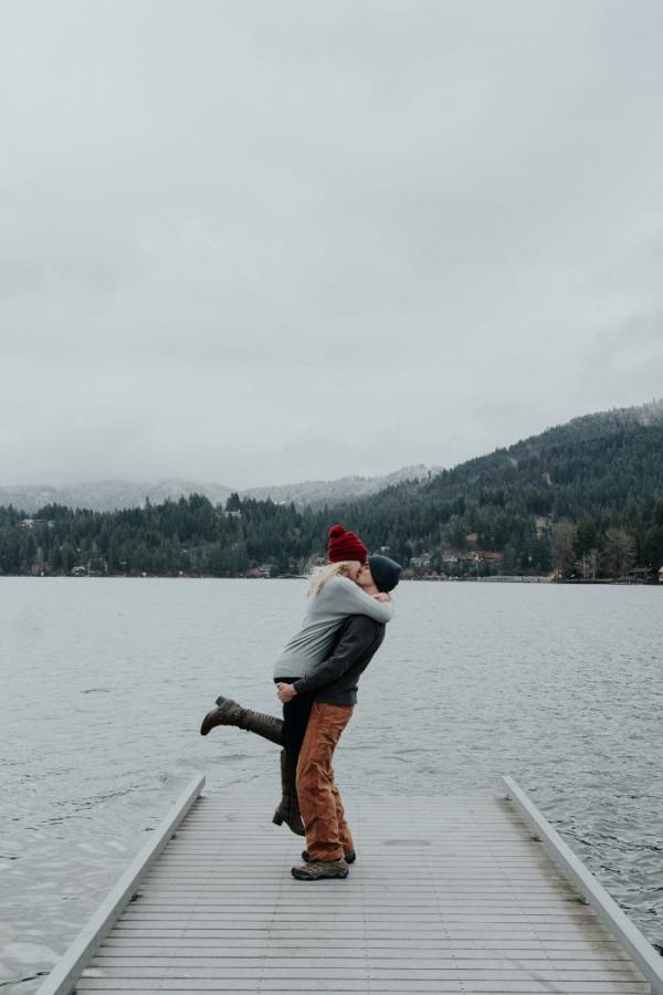 Lakeside engagement session