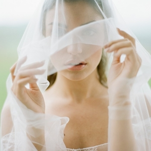 Romantic bride with veil