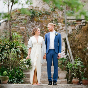 Modern organic wedding couple for mountain wedding