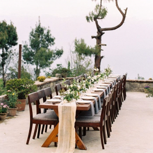 Organic wedding table design in Himalayan mountains