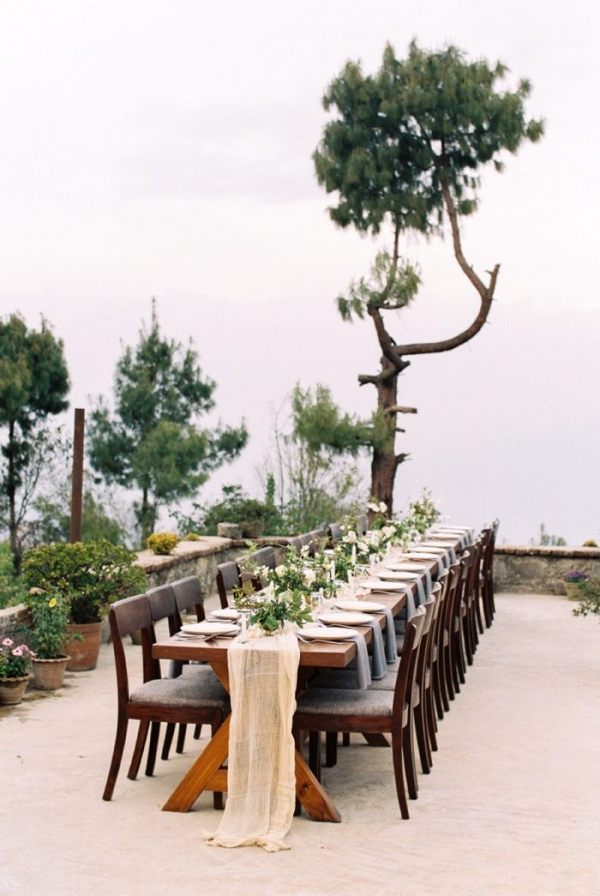 Organic wedding table design in Himalayan mountains