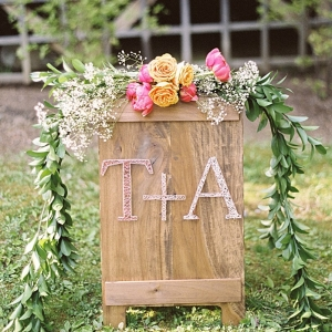 Elegant, romantic and rustic wedding sign with floral details