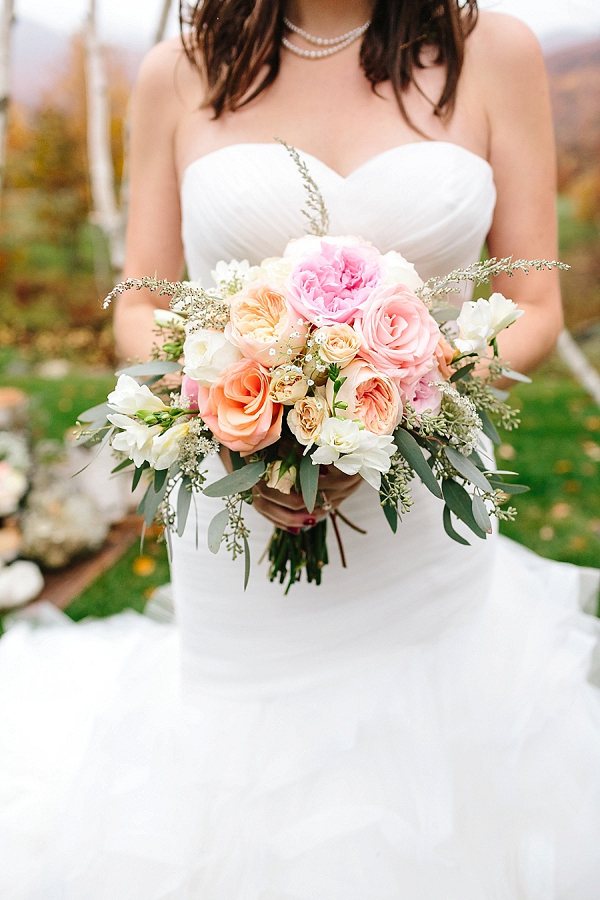 Blush and peach bouquet