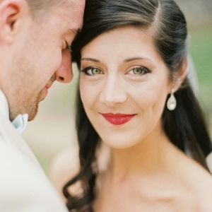 Classic wedding makeup with a matter red lip