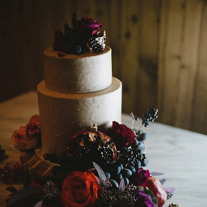 Poppy seed icing wedding cake