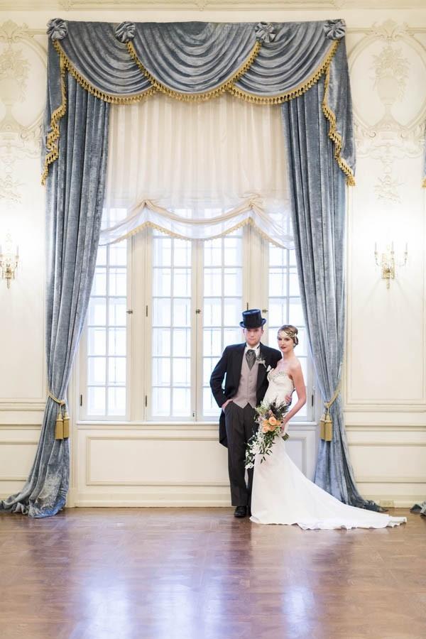 Art Deco bride and groom