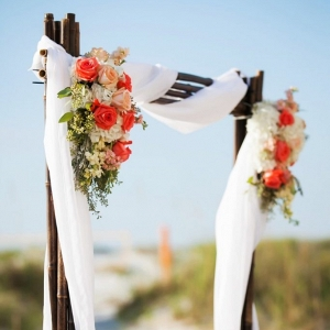 Beach ceremony decor