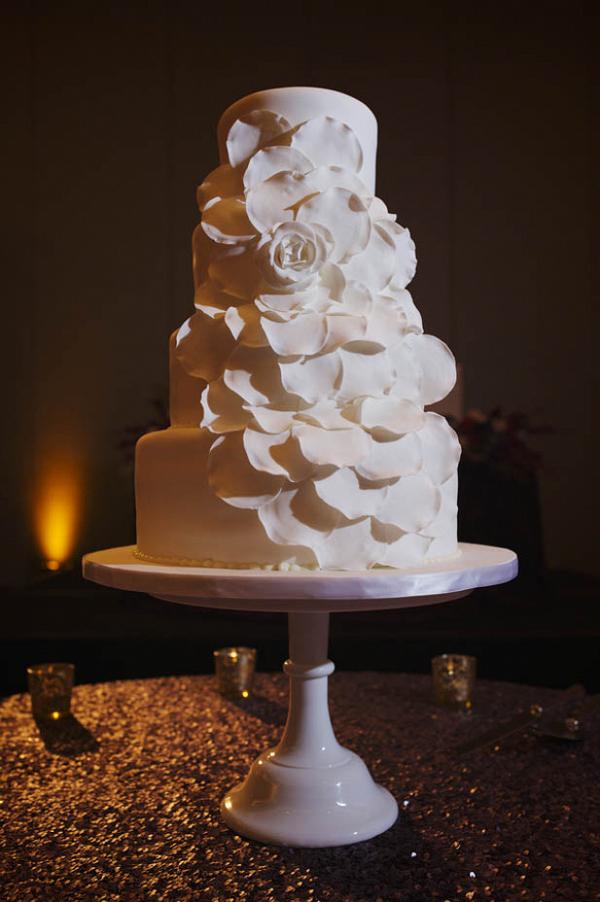 Monochrome floral wedding cake
