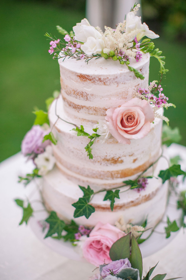 Naked cake with flowers