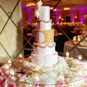 Glamorous wedding cake table