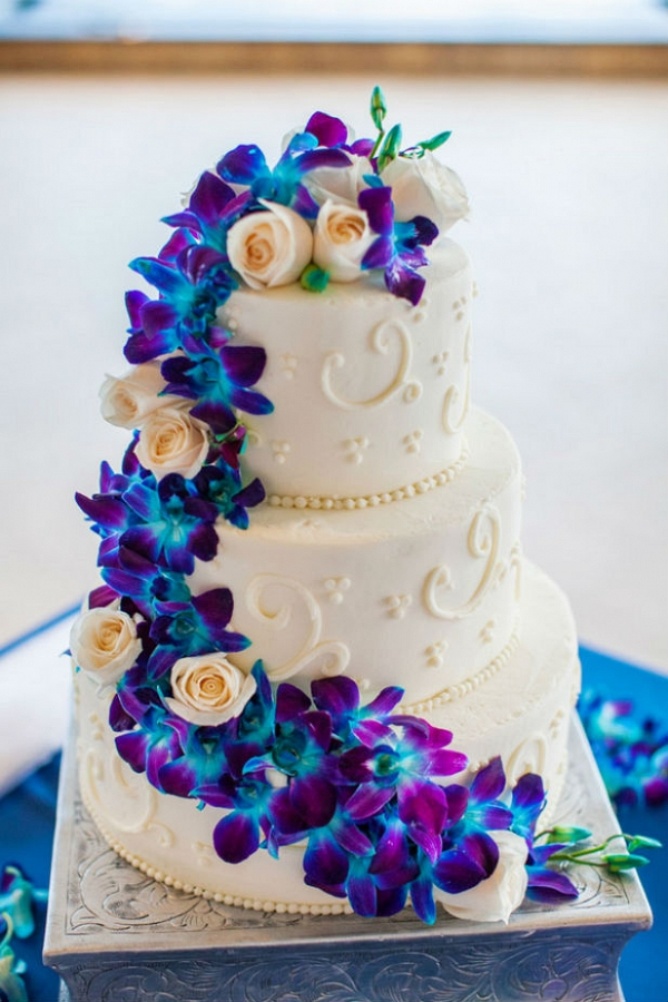 Dendrobium orchid wedding cake