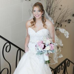 Romantic vintage inspired bride