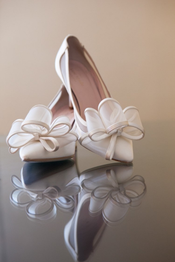 Bow wedding shoes