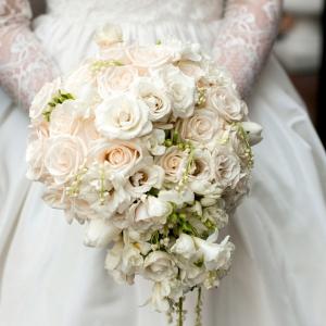 Classic cascading bouquet