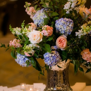 Classic centerpiece for escort card table