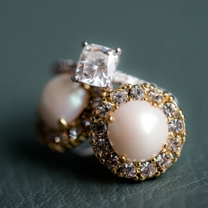 Gorgeous engagement ring and earrings
