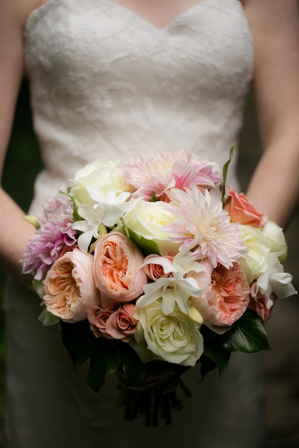 Elegant mixed wedding bouquet