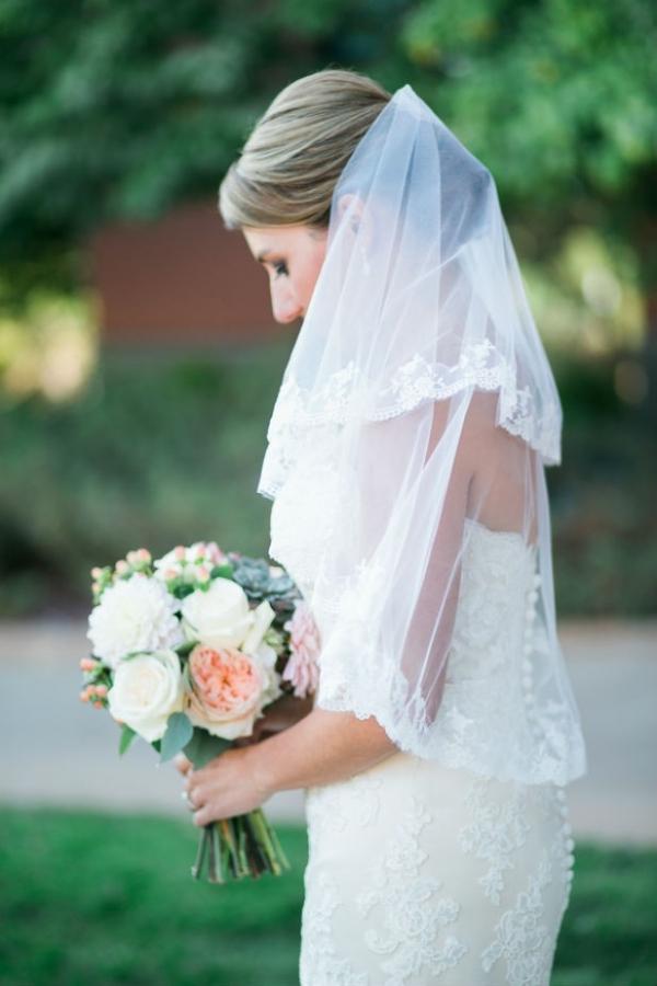 Classic bridal portrait with bouquet