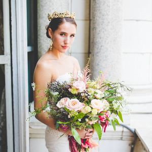 Glam bride in gold crown
