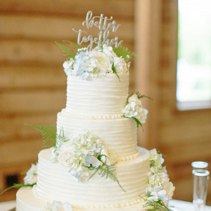 Buttercream wedding cake with hydrangeas