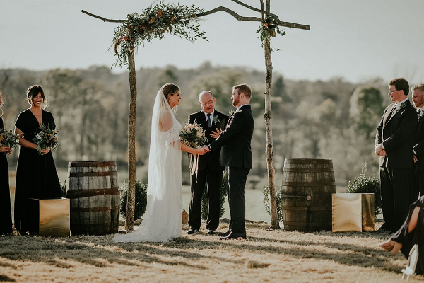 Rustic outdoor Tennessee wedding