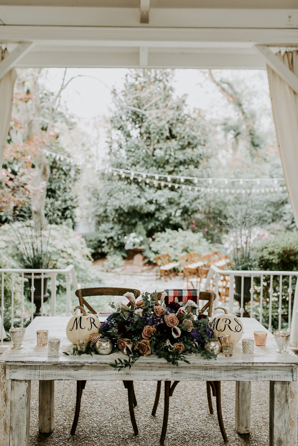 Fall sweetheart table
