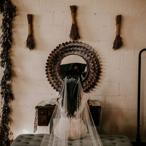 Boho bride in veil and headpiece