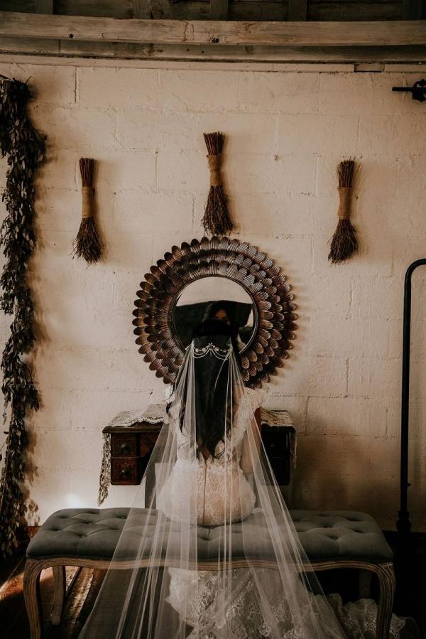 Boho bride in veil and headpiece