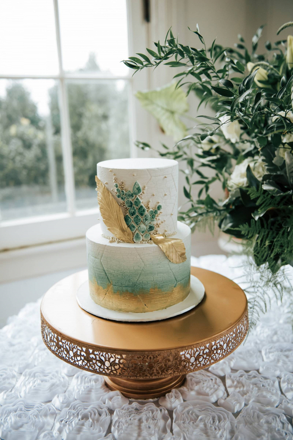 Vintage green and gold wedding cake
