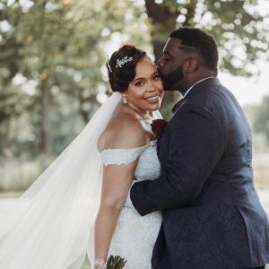 Glam Nashville bride and groom
