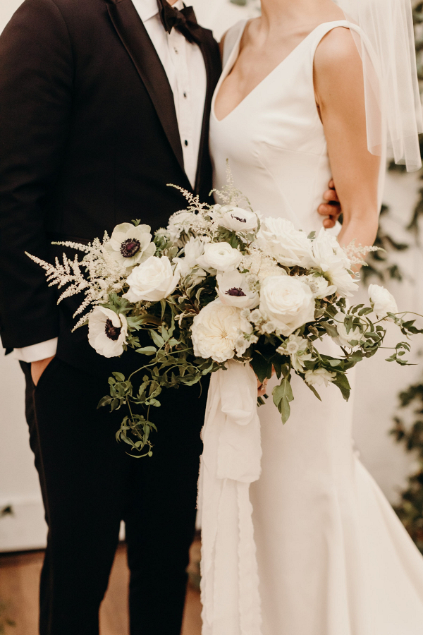 Lush black and white wedding bouquet