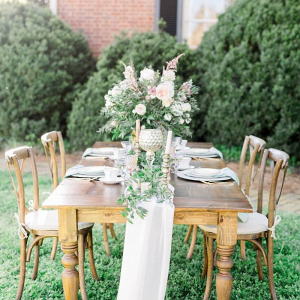 Romantic vintage wedding table
