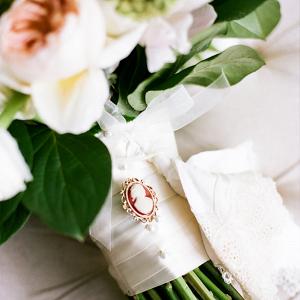 Cameo pin bouquet
