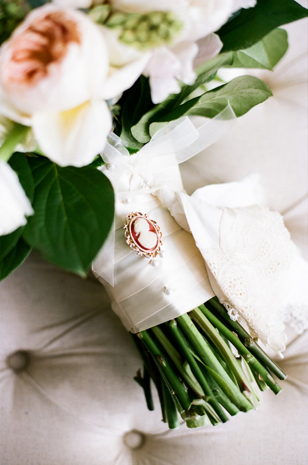 Cameo pin bouquet