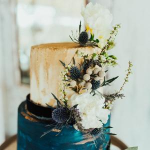 Indigo and gold wedding cake