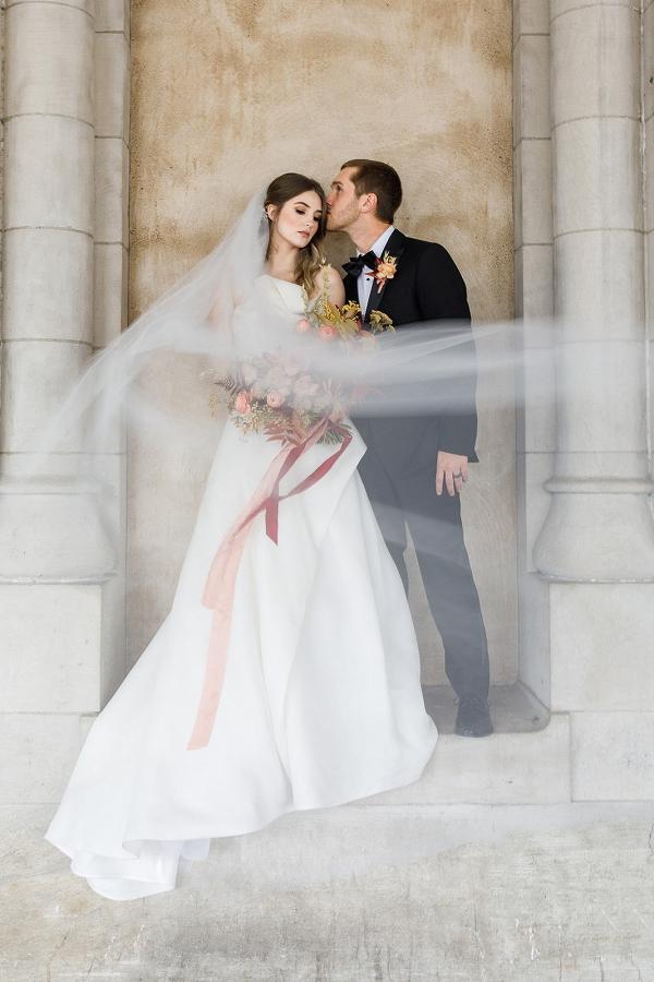 Elegant Nashville bride and groom