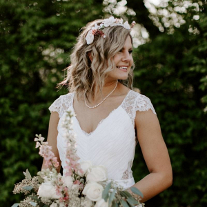 Bride with short hair and floral crown