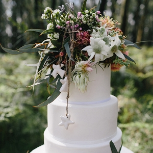 Australian Christmas Inspired Wedding Cake