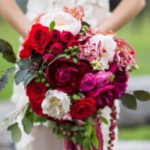 red-pink-and-amarathus-bouquet-550x826
