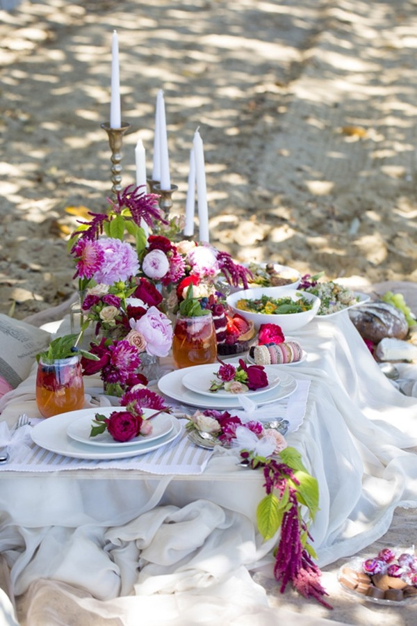 Valentines Day Picnic Inspiration