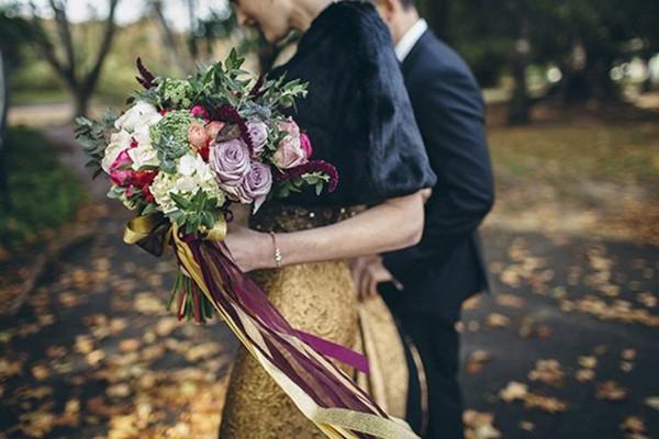 Fox-and-Rabbit-wedding-flowers-550x367