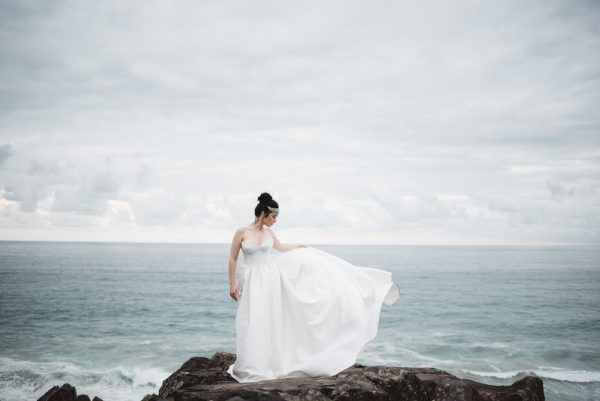 Decadent Alluring Seaside Wedding Inspiration