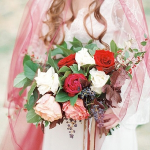 Delicate Romantic Berry Wedding Inspiration