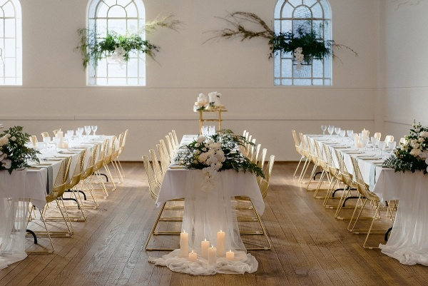 Elegant royal wedding table design