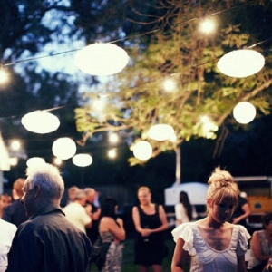 Engagement Party Tips - Don't invite guests that won't be there for the vows