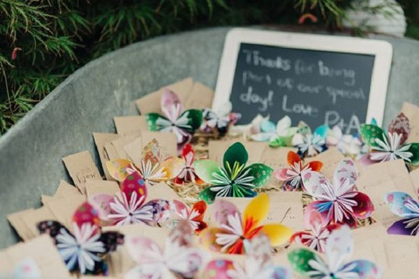 Paper Flowers for Guests