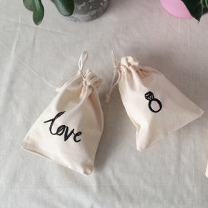 Hand Lettered Gift Bags Tutorial