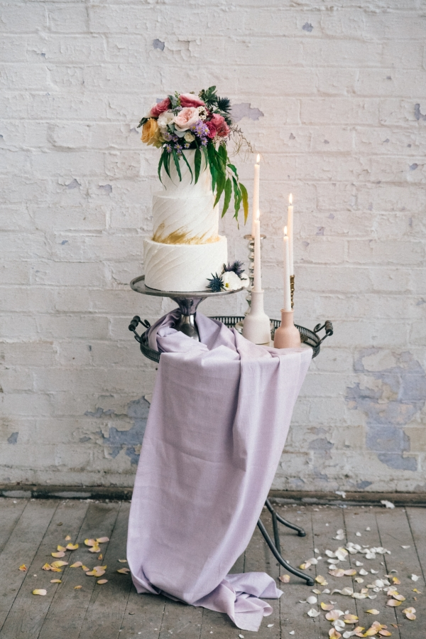 Modern Wedding Cake With Pastels