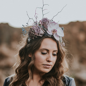 modern-floral-hairpiece