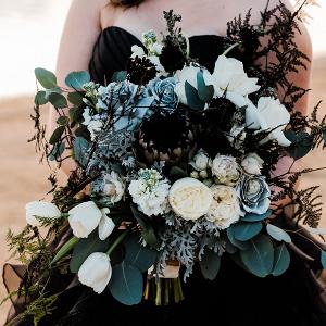 146275-dramatic-black-sunset-wedding-inspiration-by-dewinta-dandot-photography